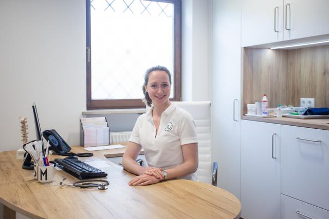 Dr. med. Magdalena Werner in ihrer Büro